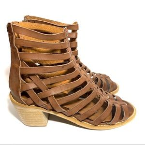 Crown Vintage strappy block heels